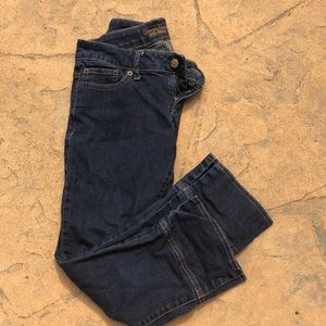 Vera Wang size 2 cropped jeans